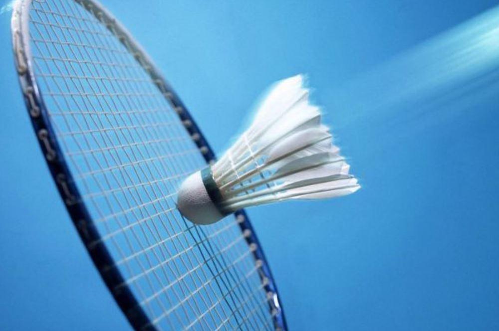 I.v.m. CORONA op dit moment helaas geen badminton!
